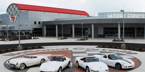 Tire, Wheel, Mode of transport, Vehicle, Land vehicle, Automotive design, Automotive parking light, Car, Performance car, Sports car,