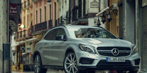 Wheel, Mode of transport, Automotive design, Vehicle, Transport, Car, Mercedes-benz, Alloy wheel, Rim, Street,