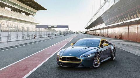 Tire, Mode of transport, Automotive design, Vehicle, Infrastructure, Transport, Car, Grille, Rim, Performance car,