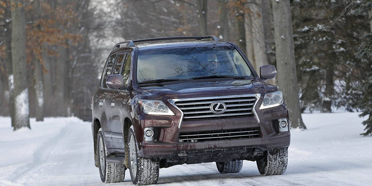 Photos: 2014 Lexus LX570