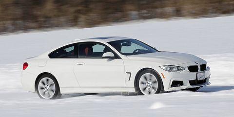 Tire, Wheel, Automotive design, Vehicle, Automotive tire, Rim, Winter, Car, Alloy wheel, Spoke,