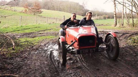 Fender, Soil, Jacket, Rural area, Tread, Synthetic rubber, Mud, Field, Hoodie, Dirt road,