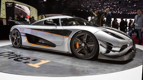 Wheel, Tire, Automotive design, Mode of transport, Vehicle, Land vehicle, Rim, Car, Supercar, Personal luxury car,