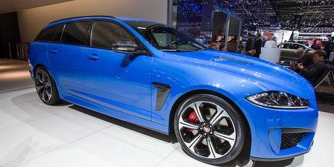 Tire, Wheel, Automotive design, Automotive tire, Vehicle, Alloy wheel, Event, Land vehicle, Rim, Automotive wheel system,