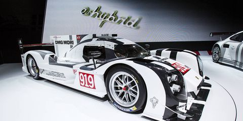 Tire, Wheel, Automotive design, Automotive tire, Automotive wheel system, Rim, Car, Automotive exterior, Alloy wheel, Fender,