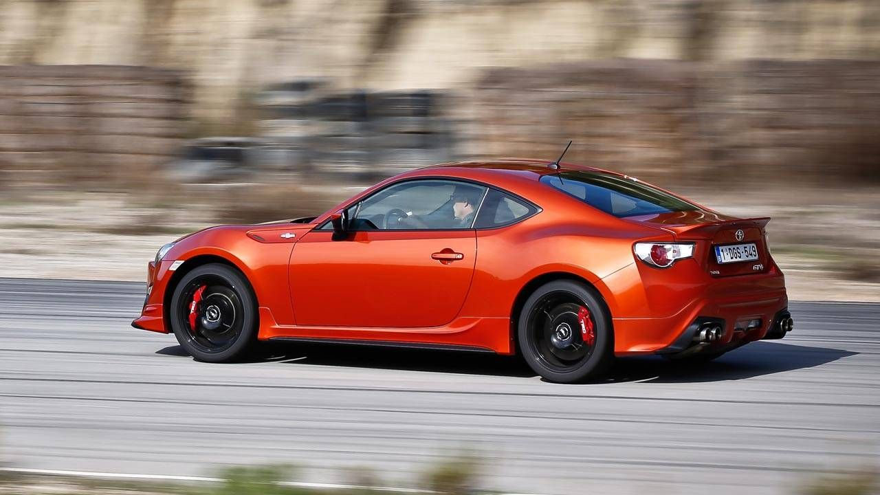 Clueless dealers do the Scion FR-S and Subaru BRZ no favors