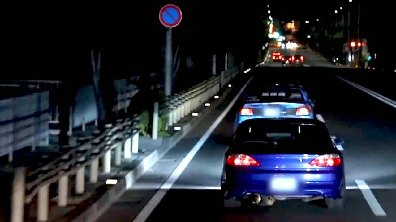 In Okinawa, 1000-hp outlaw racers rule the streets at night