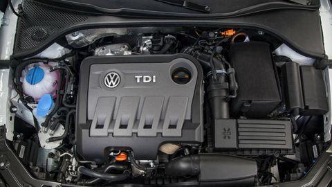 Engine, Automotive engine part, Automotive air manifold, Luxury vehicle, Automotive super charger part, Personal luxury car, Nut, Hood, Kit car, Fuel line,