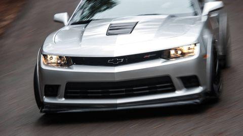 Automotive design, Vehicle, Hood, Headlamp, Automotive lighting, Land vehicle, Grille, Automotive exterior, Car, White,