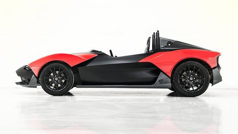 Tire, Wheel, Automotive design, Vehicle, Automotive tire, Automotive wheel system, Rim, Automotive exterior, Car, Fender,