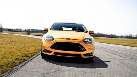 Motor vehicle, Automotive design, Daytime, Vehicle, Yellow, Headlamp, Hood, Grille, Transport, Infrastructure,