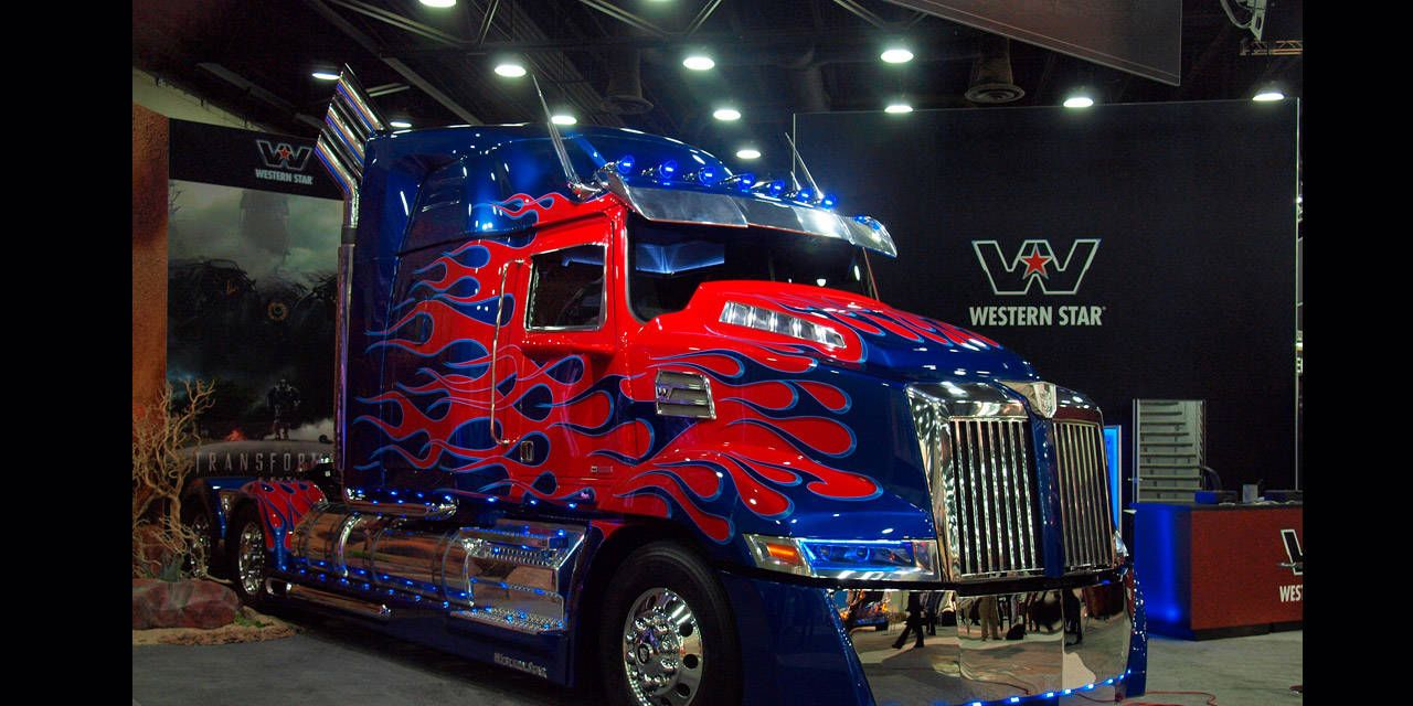 Optimus Prime in Detail - Mid-America Truck Show Photos