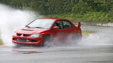 Tire, Wheel, Automotive design, Vehicle, Land vehicle, Motorsport, Car, Hood, Racing, Auto racing,