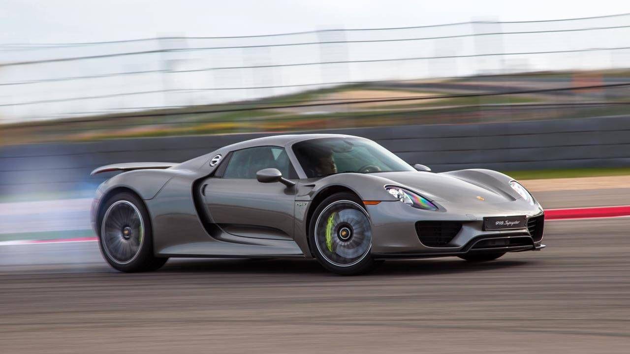 Which is faster: The Bugatti Veyron or Porsche 918 Spyder?