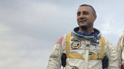 Astronaut, Space, Glove, Buzz cut, Portrait photography,