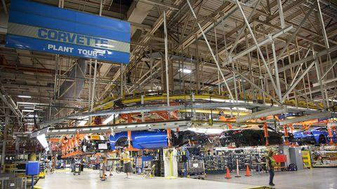 Engineering, Beam, Hangar, Service, Aerospace engineering, Steel, Industry, Factory, Hall, Machine,