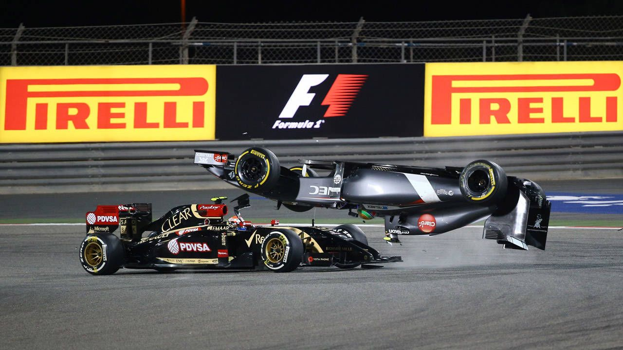 A flying car and great racing: F1 Bahrain in a nutshell