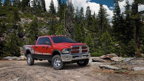 Tire, Motor vehicle, Wheel, Automotive tire, Vehicle, Land vehicle, Rim, Automotive parking light, Pickup truck, Automotive exterior,