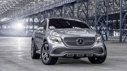 Automotive design, Vehicle, Automotive lighting, Headlamp, Grille, Automotive tire, Car, Automotive exterior, Mercedes-benz, Rim,