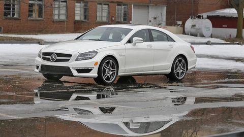Tire, Wheel, Automotive design, Vehicle, Land vehicle, Rim, Alloy wheel, Car, Automotive tire, Mercedes-benz,