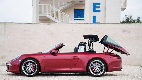 Land vehicle, Vehicle, Car, Automotive design, Convertible, Alloy wheel, Supercar, Wheel, Sports car, Porsche,