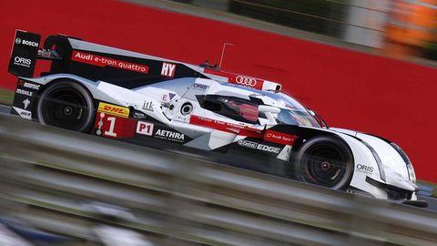 Tire, Wheel, Automotive design, Automotive tire, Motorsport, Car, Automotive wheel system, Race car, Race track, Rim,