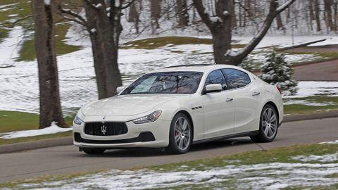 Automotive design, Vehicle, Winter, Rim, Car, Performance car, Alloy wheel, Snow, Freezing, Fender,