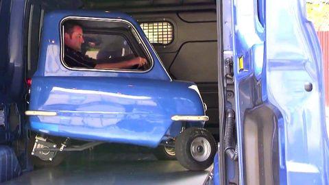 Motor vehicle, Mode of transport, Blue, Automotive design, Automotive exterior, Vehicle door, Fender, Glass, Bumper, Electric blue,