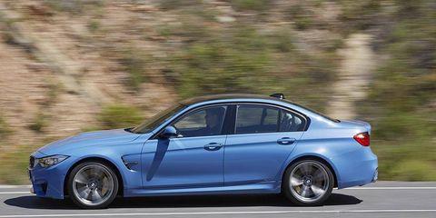 Tire, Wheel, Automotive design, Vehicle, Spoke, Rim, Alloy wheel, Car, Mid-size car, Full-size car,