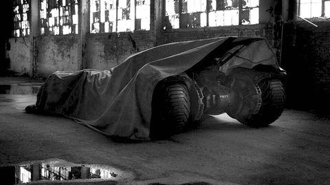 Automotive tire, Tread, Synthetic rubber, Monochrome, Monochrome photography, Automotive wheel system, Black-and-white, Rim, Auto part, Concrete,