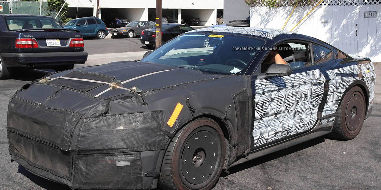 Spy Photos: 2016 Ford Mustang SVT