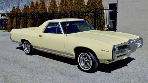 Motor vehicle, Tire, Wheel, Automotive design, Vehicle, Land vehicle, Automotive exterior, Car, Hood, White,