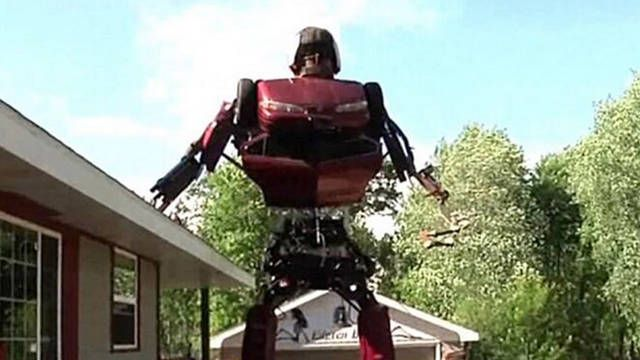 Artist builds 23-foot-tall Transformer out of Oldsmobile Alero
