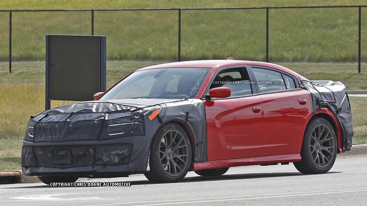 Dodge Charger SRT Hellcat spied in disguise