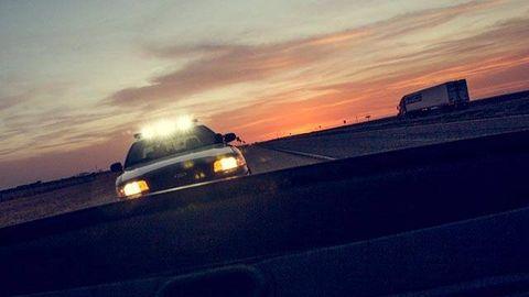 Sky, Horizon, Dusk, Automotive exterior, Sunset, Evening, Sunrise, Afterglow, Automotive mirror, Luxury vehicle,