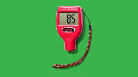 Electronic device, Red, Technology, Font, Coquelicot, Measuring instrument, Display device, Telephone accessory, Wire, Machine,