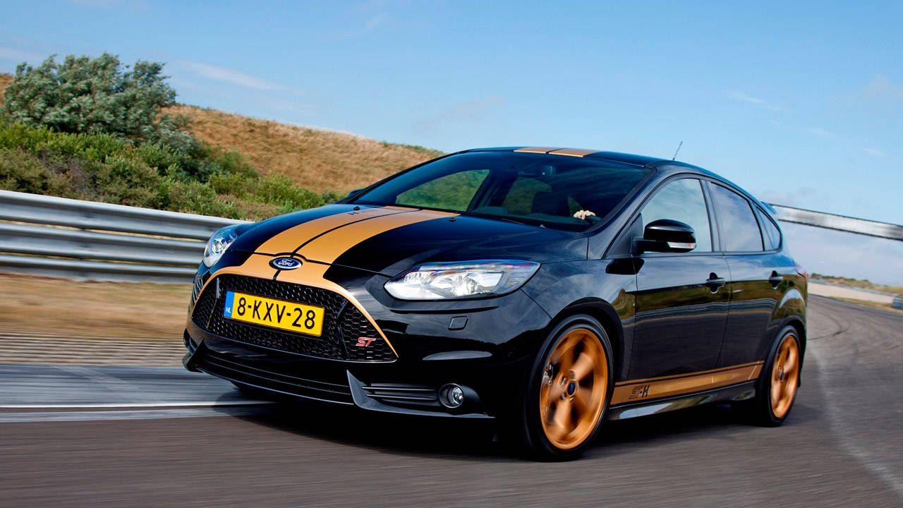 europeans can rent a ford focus st h at hertz rh roadandtrack com 2015 ford focus st manual 2014 ford focus manual transmission problems