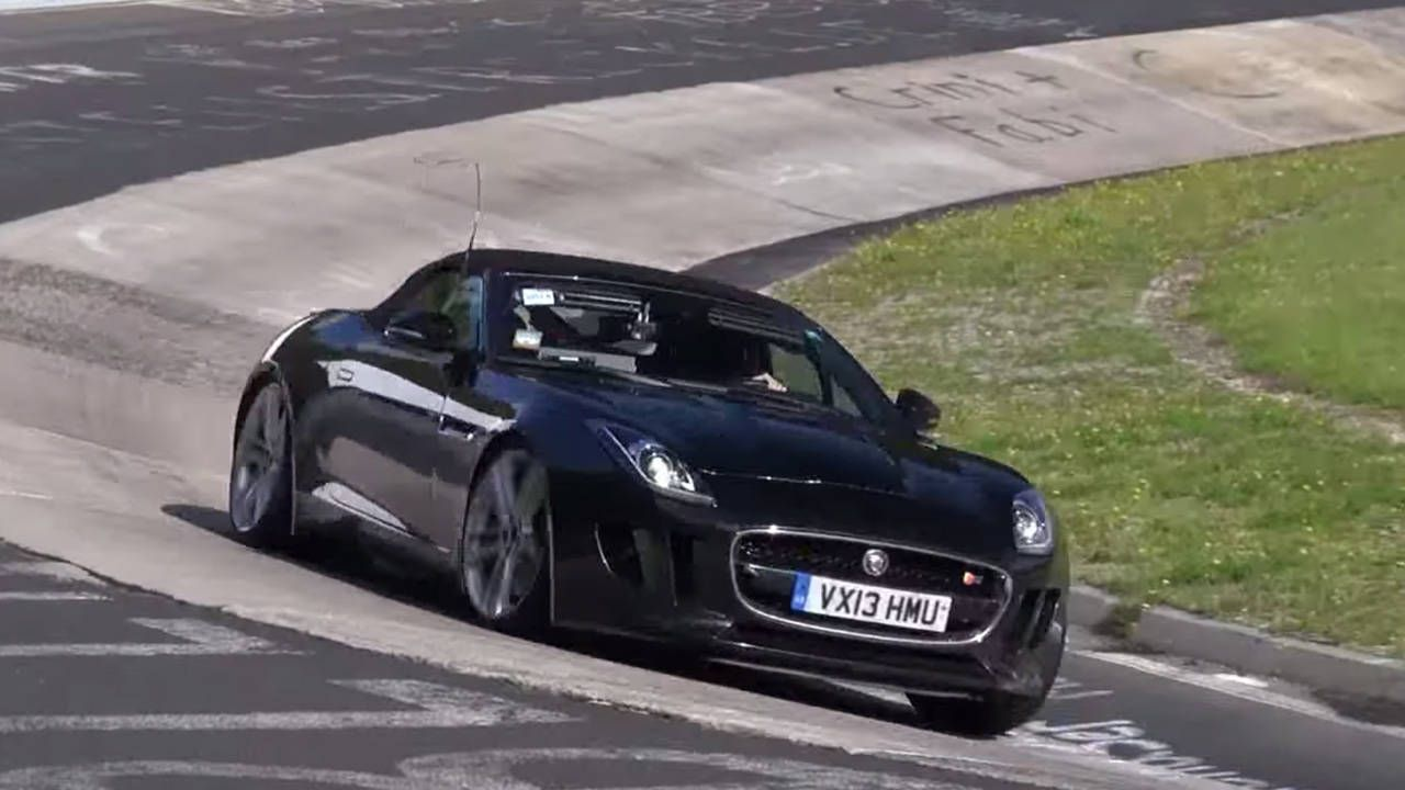 Video proof that the Jaguar F-Type is getting a manual gearbox