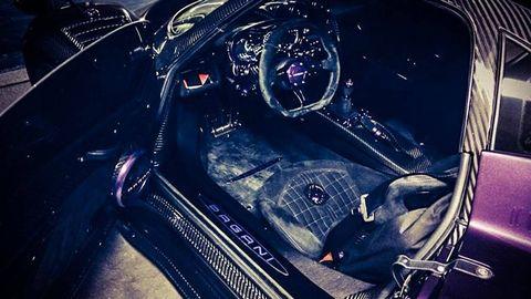 Motor vehicle, Automotive design, Steering part, Car, Steering wheel, Speedometer, Center console, Personal luxury car, Luxury vehicle, Gear shift,