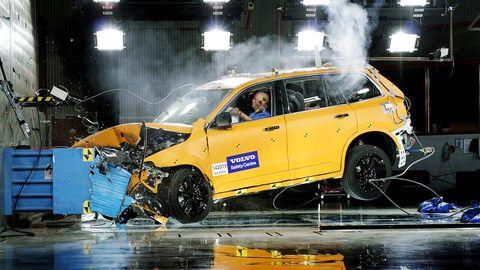 Tire, Motor vehicle, Wheel, Automotive design, Yellow, Car, Automotive exterior, Automotive tire, Sport utility vehicle, Crossover suv,