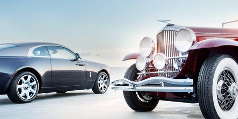 Tire, Wheel, Motor vehicle, Mode of transport, Automotive tire, Automotive design, Vehicle, Automotive wheel system, Land vehicle, Transport,