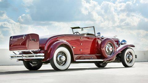 Tire, Mode of transport, Automotive design, Vehicle, Transport, Classic car, Land vehicle, Car, Antique car, Automotive lighting,