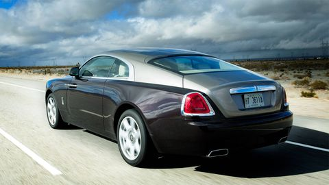 Tire, Wheel, Mode of transport, Automotive design, Vehicle, Transport, Infrastructure, Vehicle registration plate, Car, Bentley,