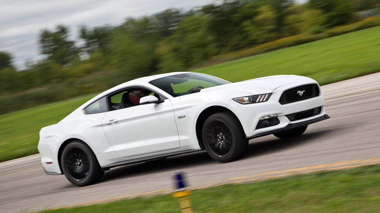 first drives 2015 ford mustang