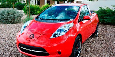 Motor vehicle, Tire, Automotive mirror, Automotive design, Mode of transport, Vehicle, Hood, Land vehicle, Headlamp, Windscreen wiper,
