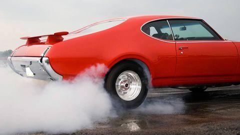 Tire, Wheel, Automotive tire, Vehicle, Automotive exterior, Land vehicle, Automotive wheel system, Transport, Classic car, Car,