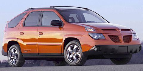 Tire, Wheel, Motor vehicle, Mode of transport, Product, Transport, Automotive tire, Vehicle, Land vehicle, Automotive design,