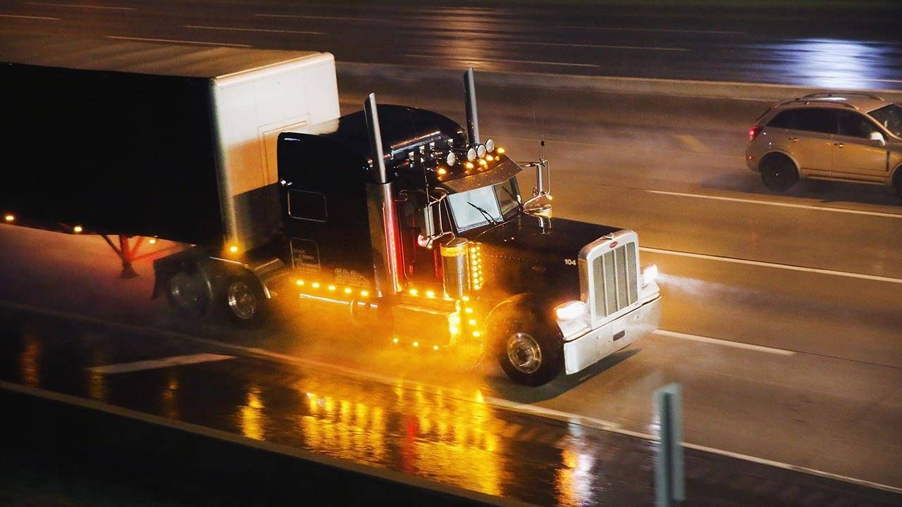 Put trucks in their place: the right lane