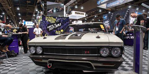 Motor vehicle, Automotive design, Grille, Hood, Car, Automotive exterior, Classic car, Headlamp, Bumper, Personal luxury car,