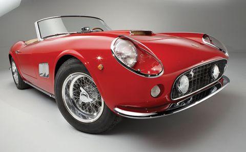 Mode of transport, Automotive design, Vehicle, Automotive lighting, Headlamp, Land vehicle, Car, Automotive mirror, Red, Classic car,